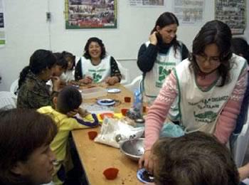 Workshop with kids, making organic chocolates