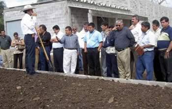 Ing. Rubén Zepeda Piña expone sus experiencias en el compostaje comercial