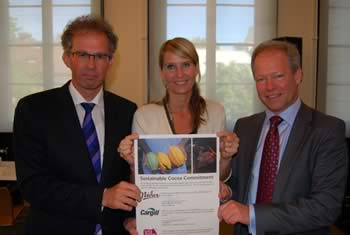 Han de Groot of UTZ, Inger Johanne Solhaug of Nidar and Cees Boer of Cargill when signing the Commitment