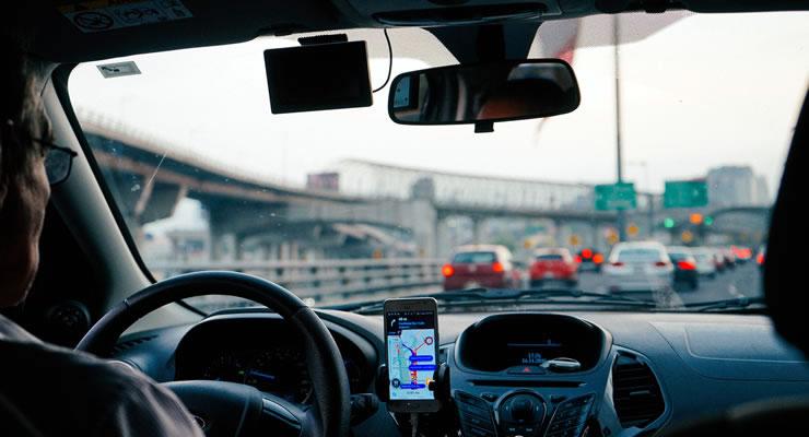 El caso Uber: ¿qué vende y qué instancia debe regularle?