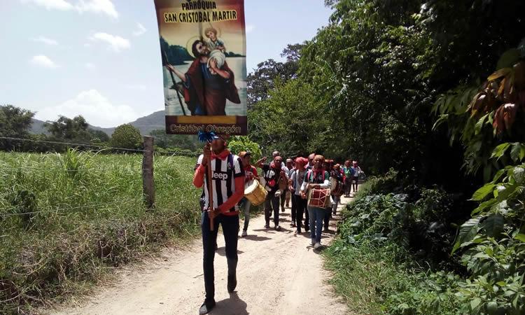 """Espadañeros rumbo al rancho """"La cieneguilla"""". Ramírez, Vázquez F. A. (2018)"""