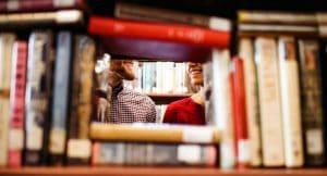 Género y relaciones de pareja: cineterapia y biblioterapia